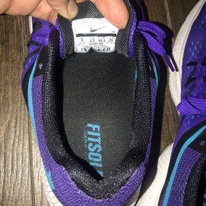 Nike Shoes - Nike running shoes. Size 9 women